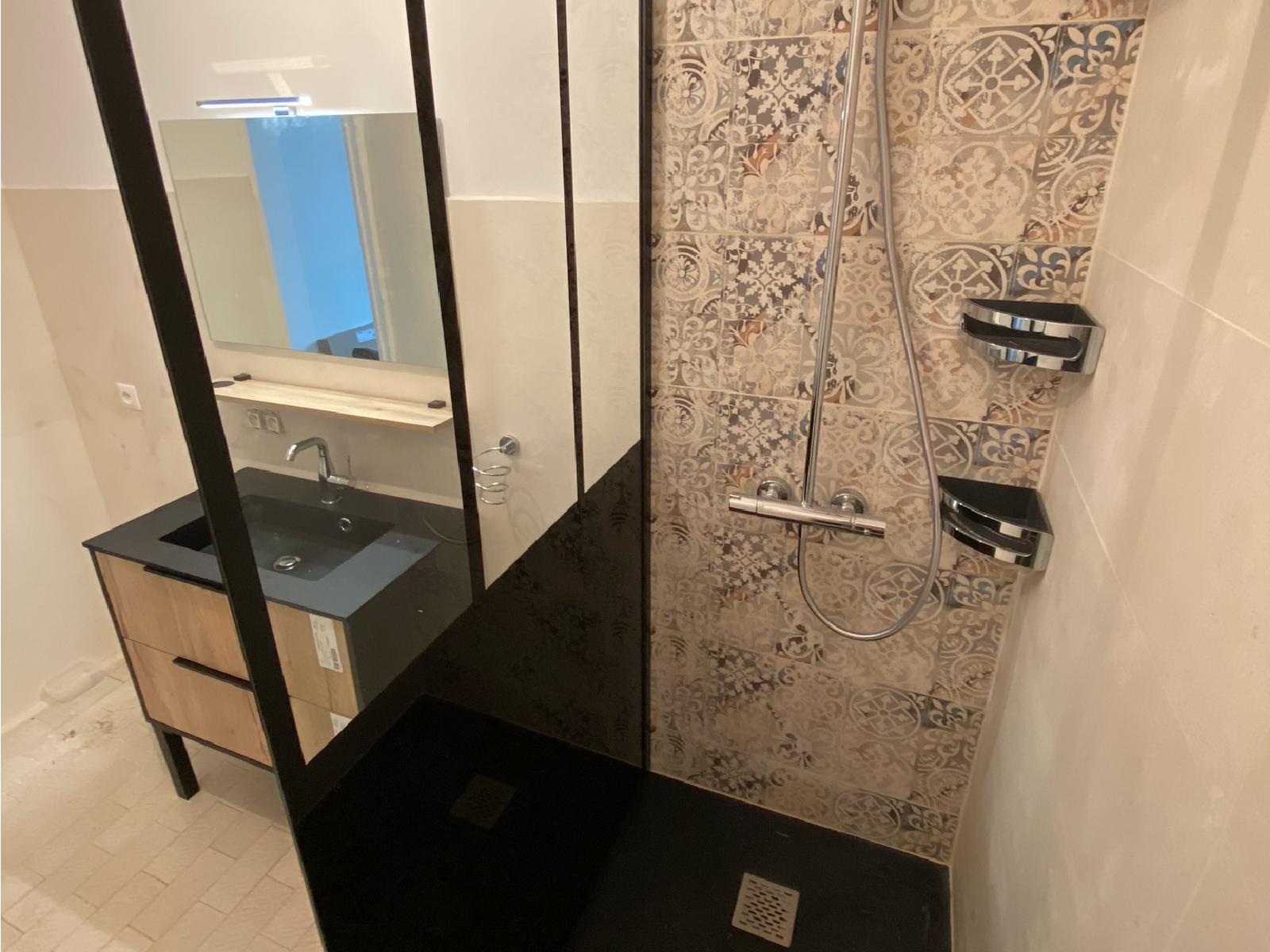 réalisation travaux plomberie sanitaire sur salle de bain